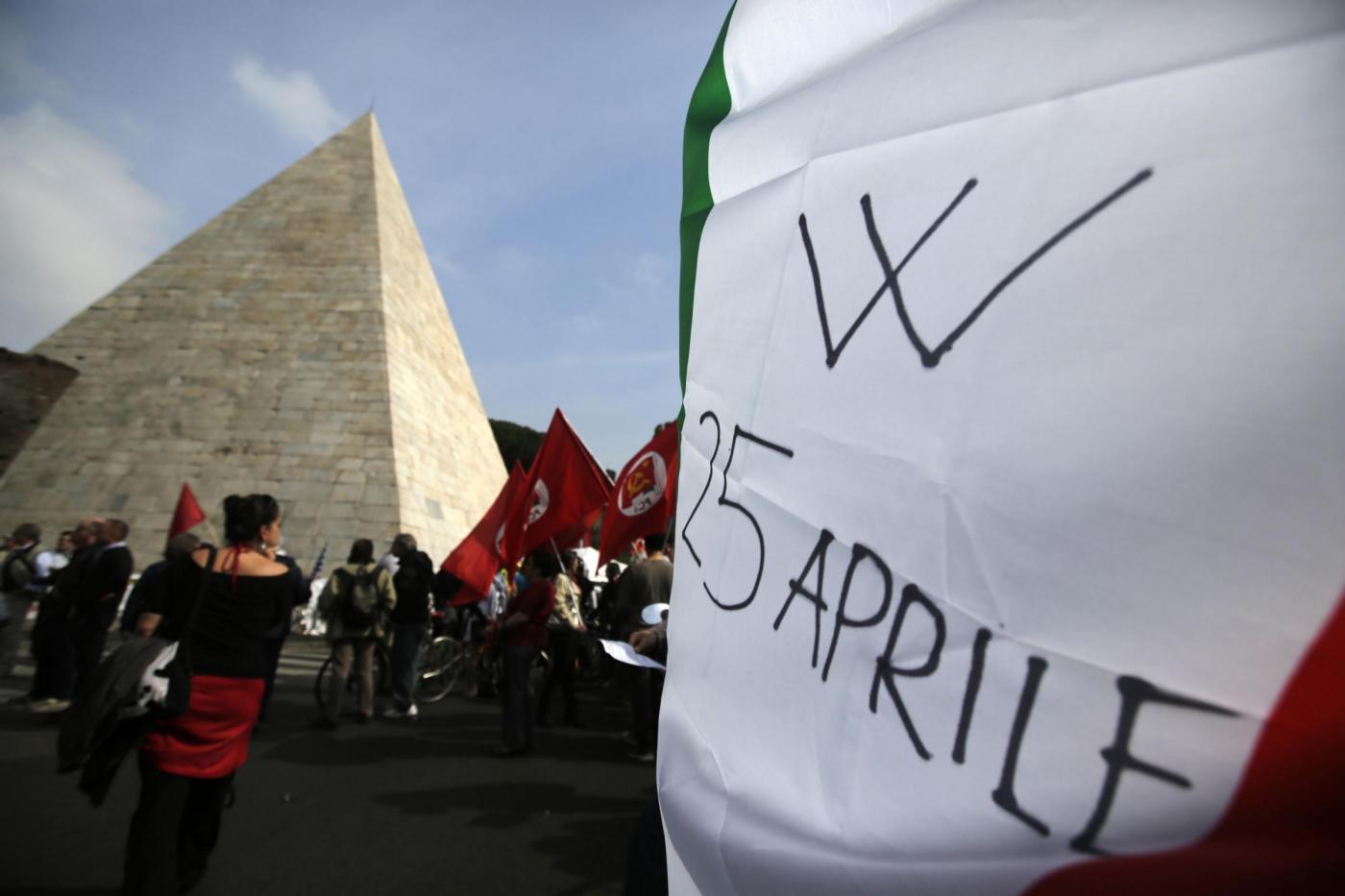 Manifestazione per la commemorazione della liberazione a Porta San Paolo