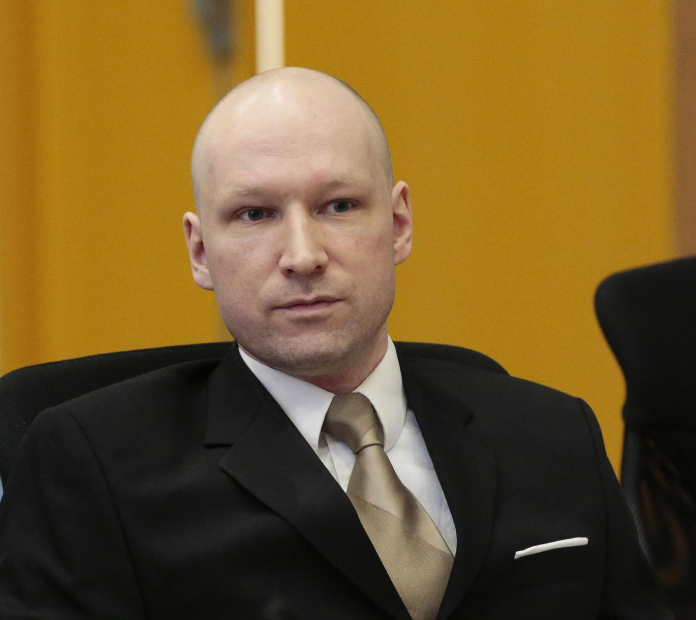 Norvegia: Breivik a processo, saluto nazista in aula