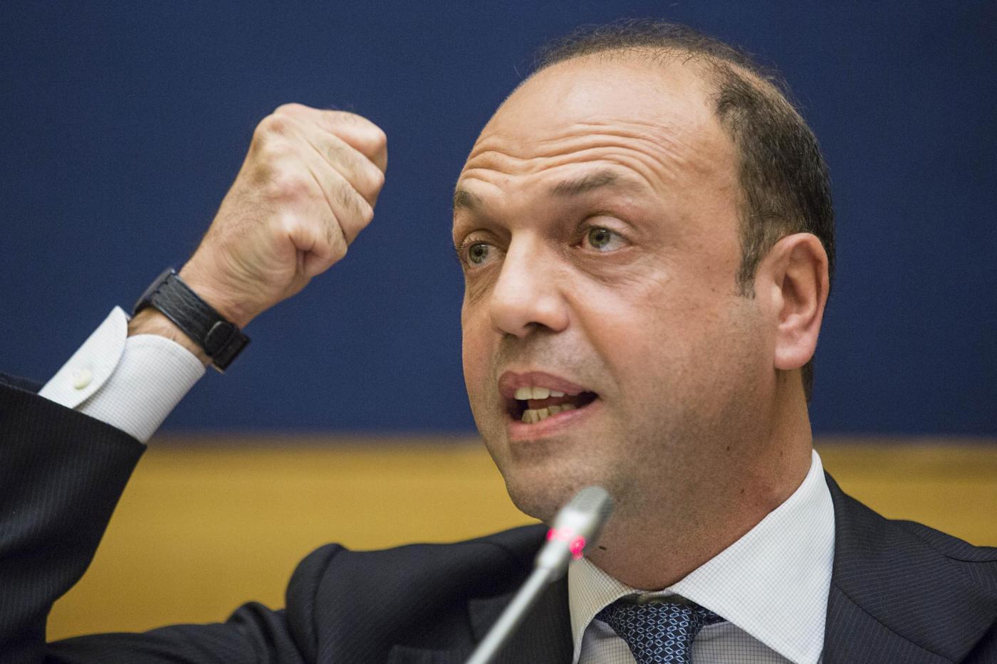 Angelino Alfano vuole il ponte sullo Stretto e sfida Matteo Renzi