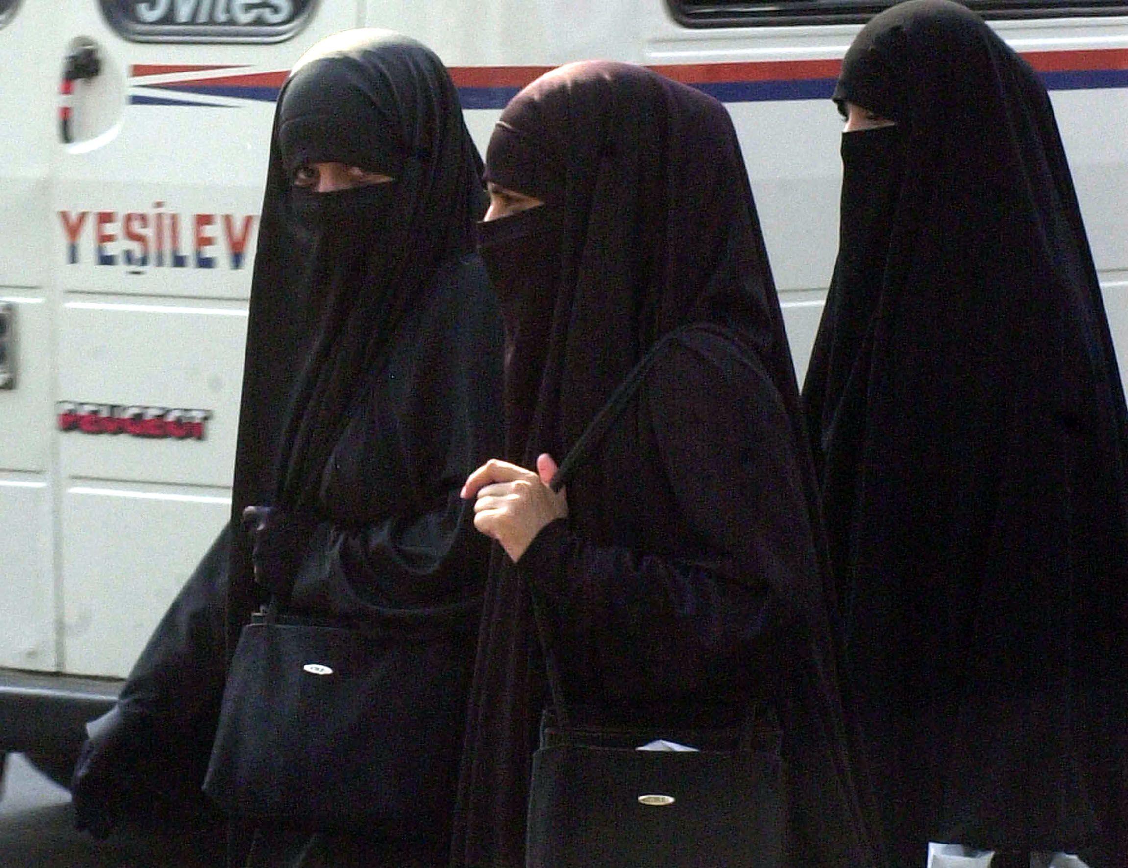 Donne che guidano in Arabia Saudita? 'Sono prede del demonio'