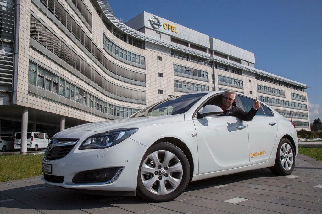 Consumi reali auto: oltre 2.000 Km con un pieno sulla Opel Insignia