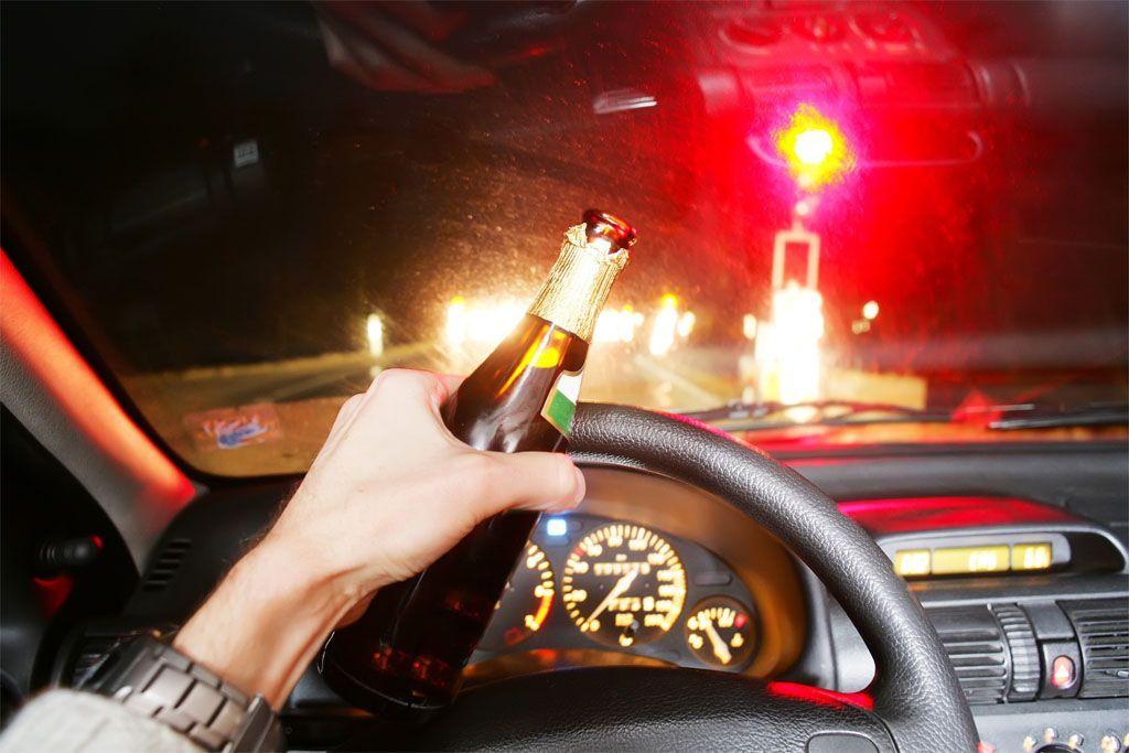 Ubriachi alla guida: in Thailandia li mandano all'obitorio