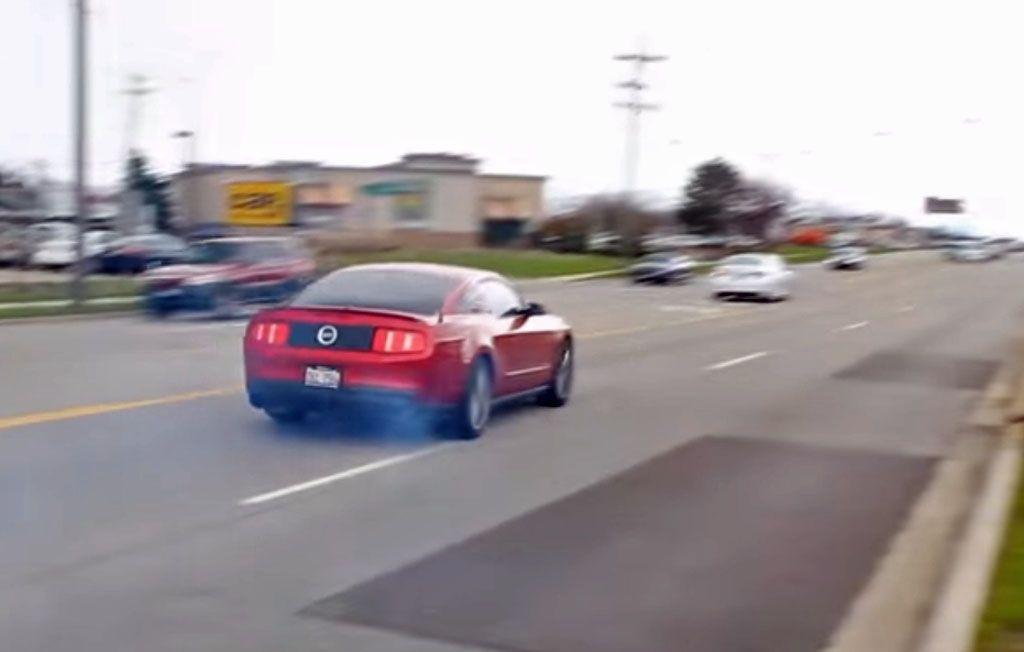 Video incidenti: quando la Mustang ti sfugge di mano
