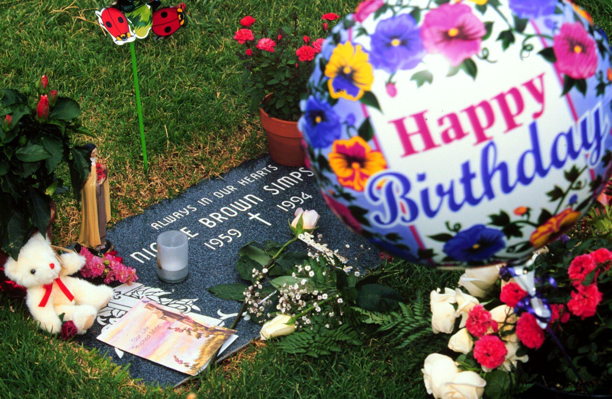 Nicole Simpson's Grave