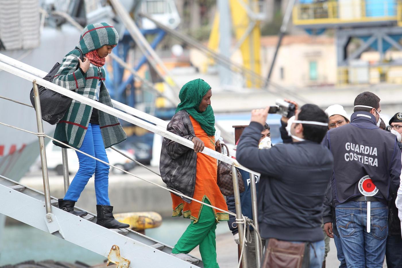 A Salerno sbarcano 545 migranti