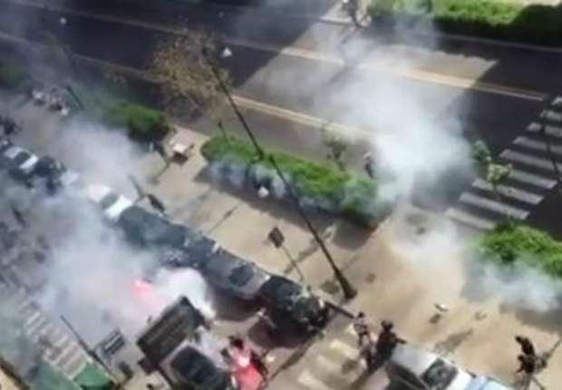 Palermo-Lazio, scontri tra ultras: calci su tifoso già a terra