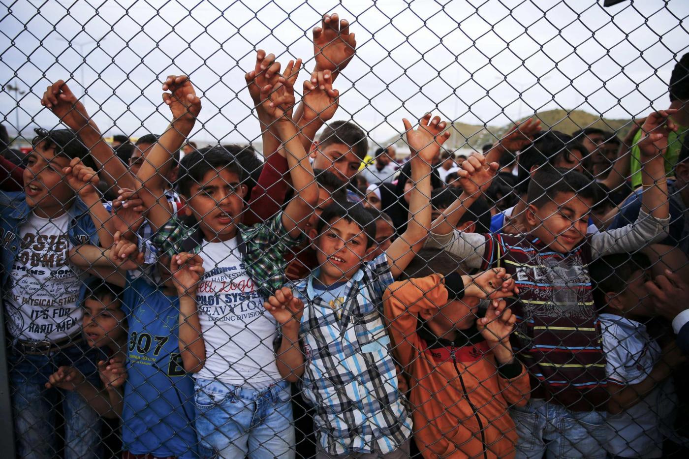 Turchia, Angela Merkel visita il campo profughi di Nizip