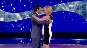 Maria De Filippi balla con Dempsey