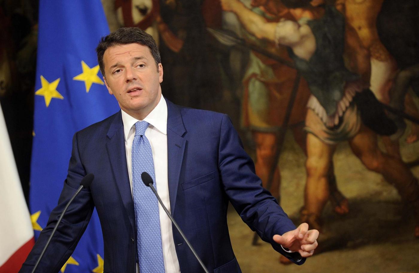Matteo Renzi ai 5 Stelle: 'Loro candidati sono i co.co.pro della Casaleggio'