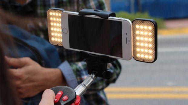 Il selfie stick più assurdo e geniale di sempre