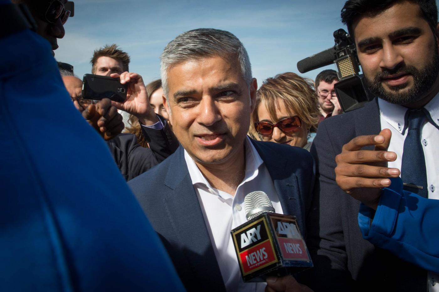 Londra, il nuovo sindaco è il musulmano laburista Sadiq Khan
