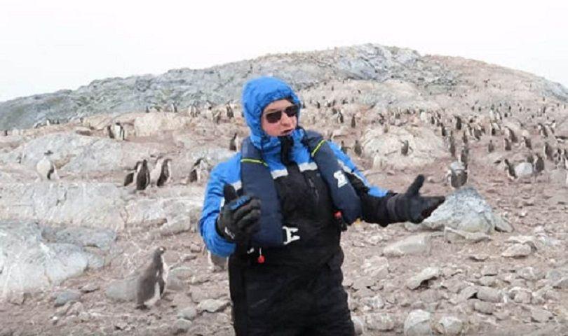 Il tenore canta O Sole Mio e i pinguini reagiscono così