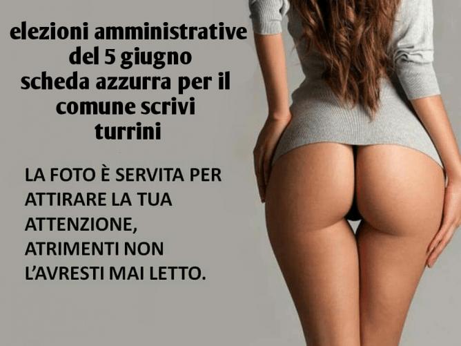 Elezioni amministrative, manifesto con un sedere per Mario Turrini