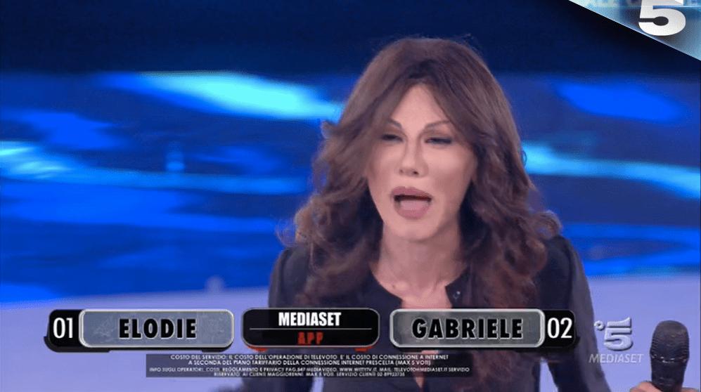 Virginia Raffaele imita Sabrina Ferilli ad Amici 15: 'Maria, perché non fai il sindaco di Roma?'