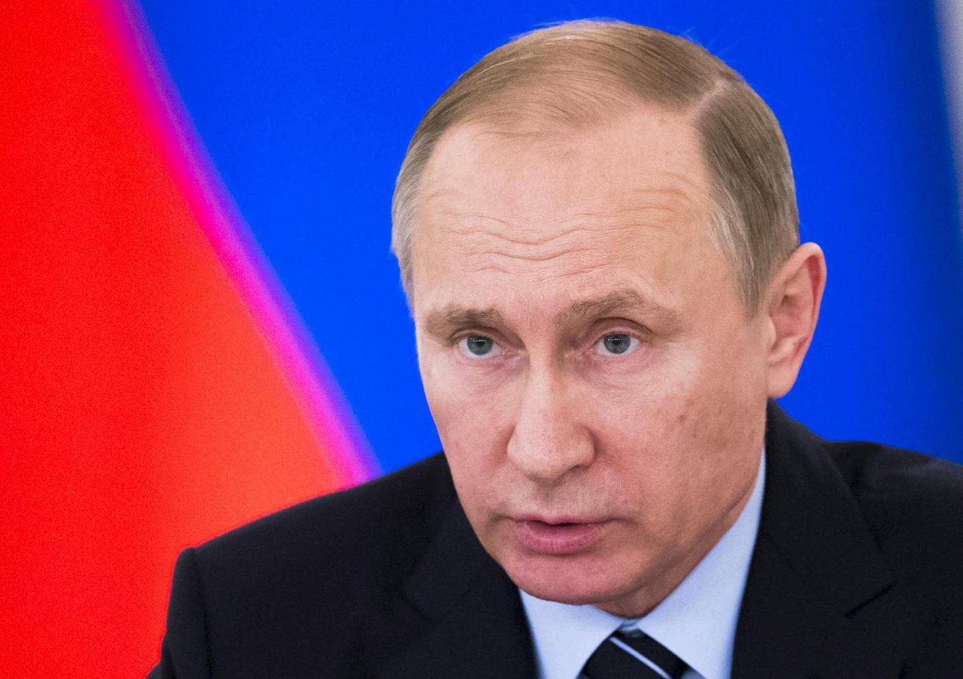 Russia, Putin all'incontro per i preparativi del Giorno della Vittoria