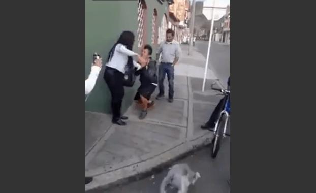 donna fa spogliare ladro 1