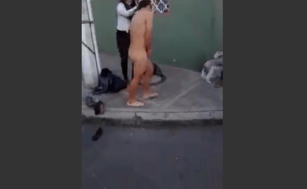 donna fa spogliare ladro 3