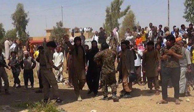 Isis, lapidano ragazzo di 16 anni perché gay