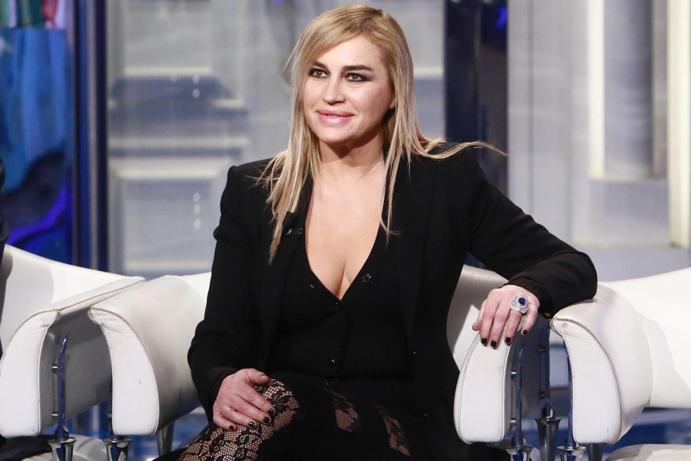 Lory Del Santo e il flirt con Donald Trump: 'Macché maschilista, rispetta tantissimo le donne'