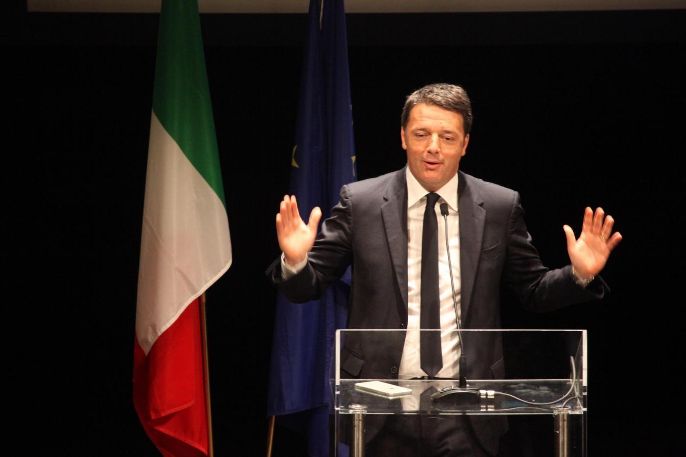 Matteo Renzi a Firenze incontra i cittadini Teatro Niccolini