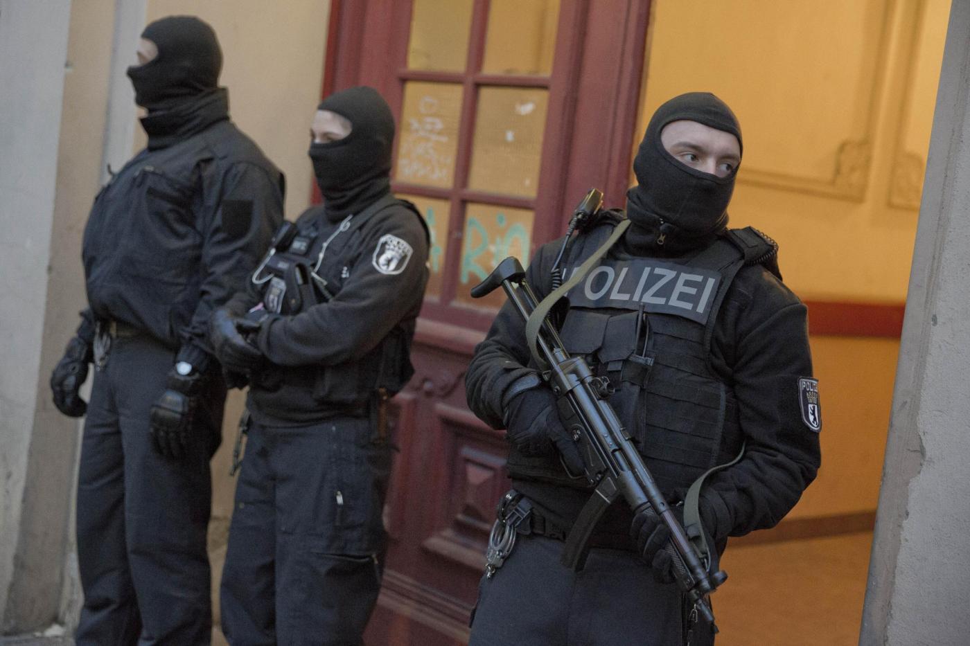 Raid della polizia tedesca contro un gruppo di jihadisti