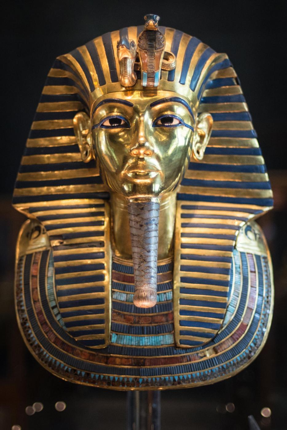 Il Cairo, danneggiata durante una pulizia la maschera di Tutankhamon