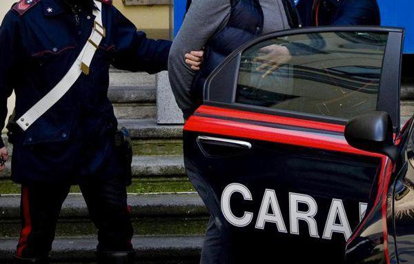 Roma, tenta di rapire due bambini sotto gli occhi della mamma