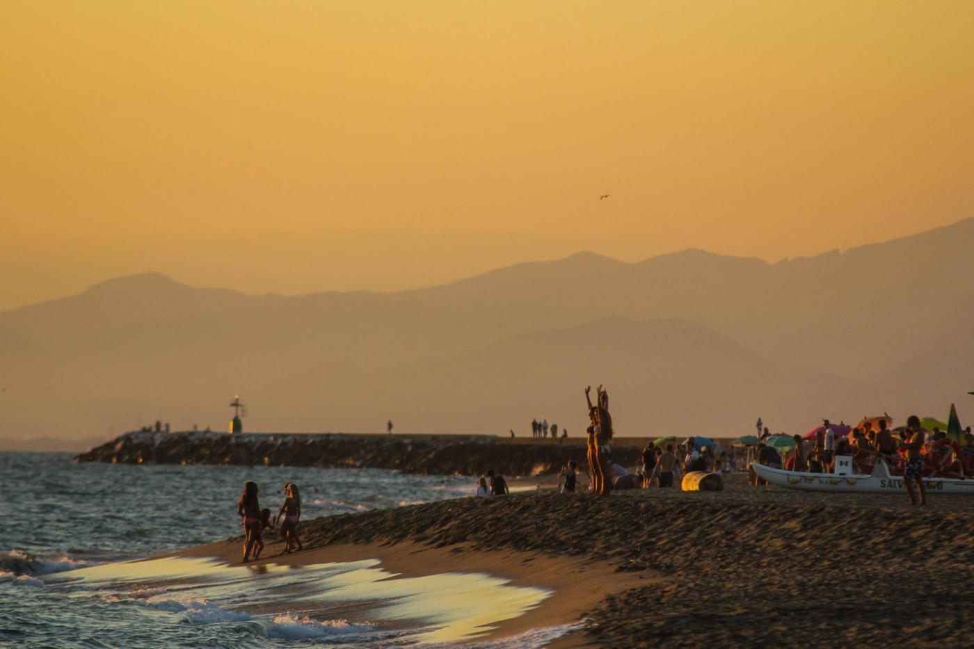 Legambiente, sulle spiagge italiane: 714 rifiuti ogni 100 metri