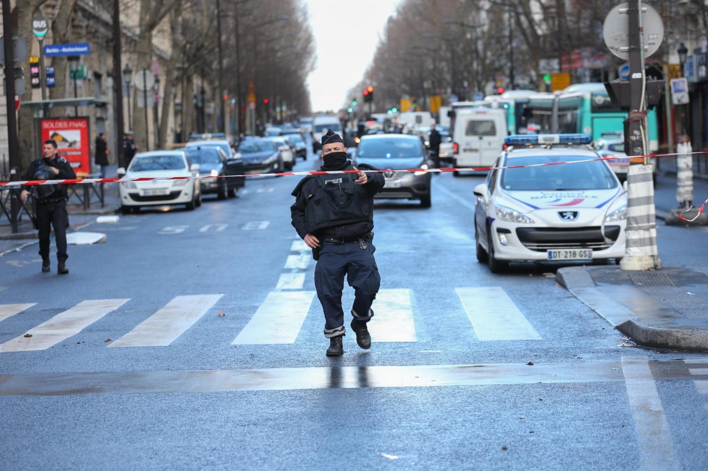 Anniversario Charlie Hebdo. Hollande: