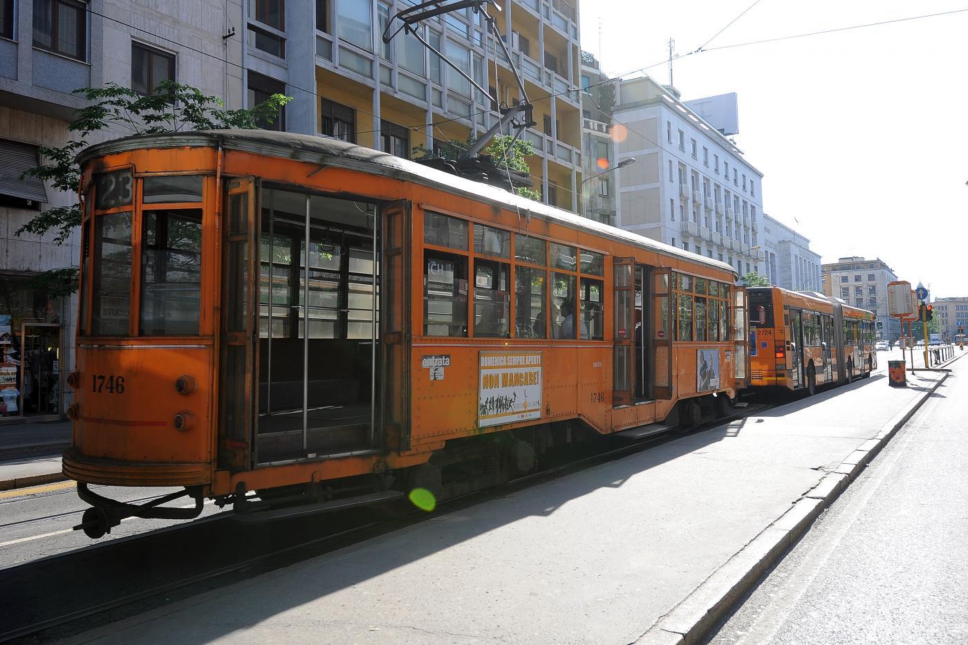 Milano, non ferma il tram: conducente aggredito da un passeggero