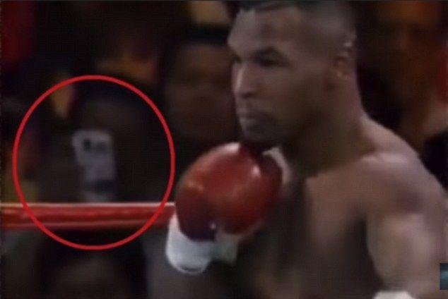 Il mistero dello smartphone in un video del 1995