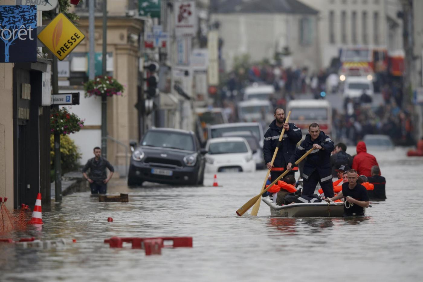 Maltempo in Francia, Hollande dichiara lo stato di catastrofe naturale