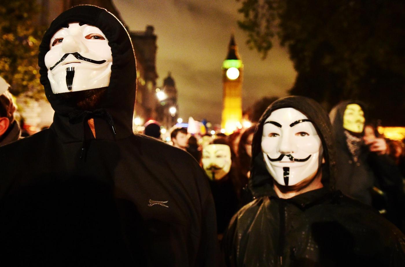 Chi sono gli Anonymous: hacker che si battono per i diritti