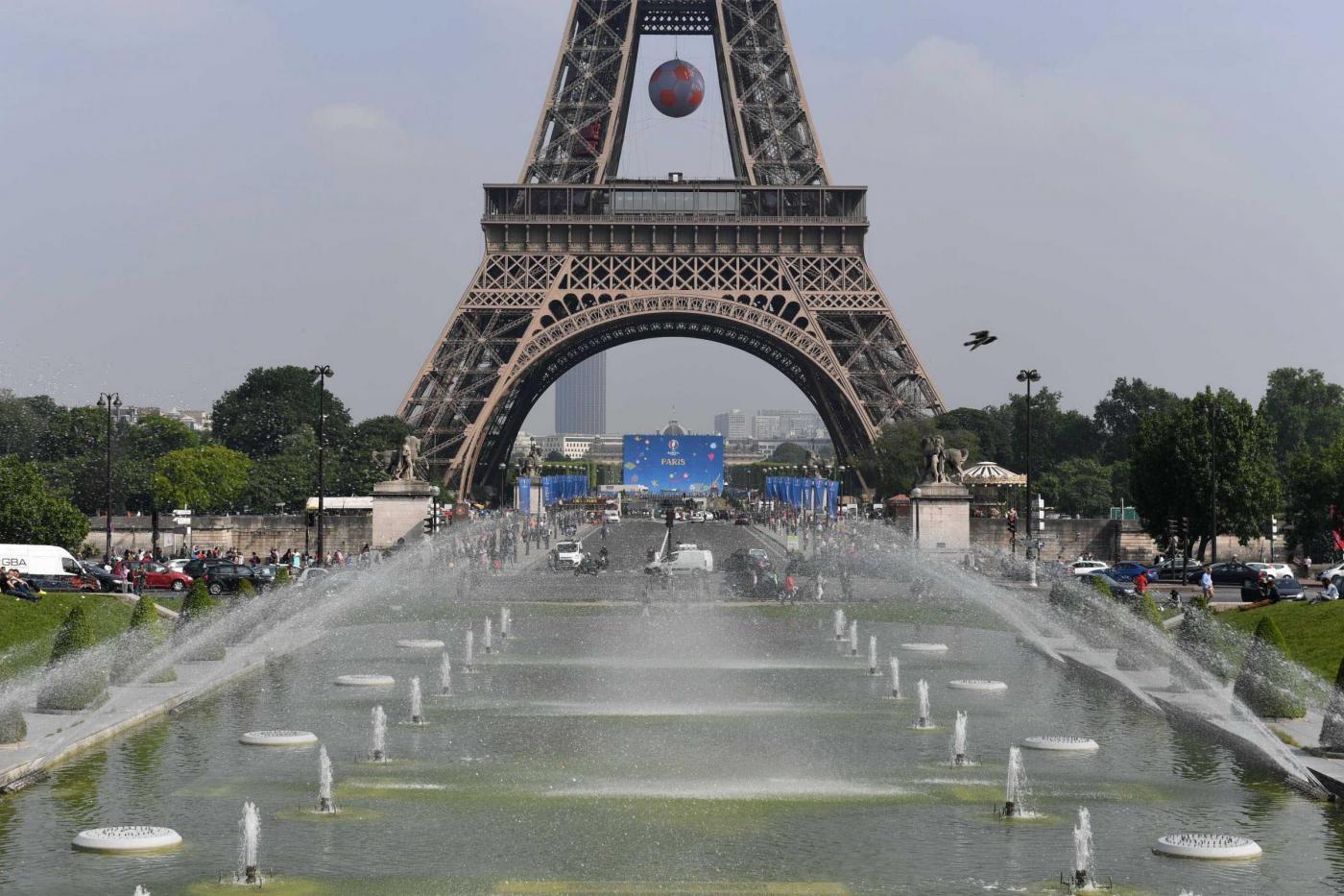 Euro 2016: come si prepara la Francia tra sicurezza e mondanità