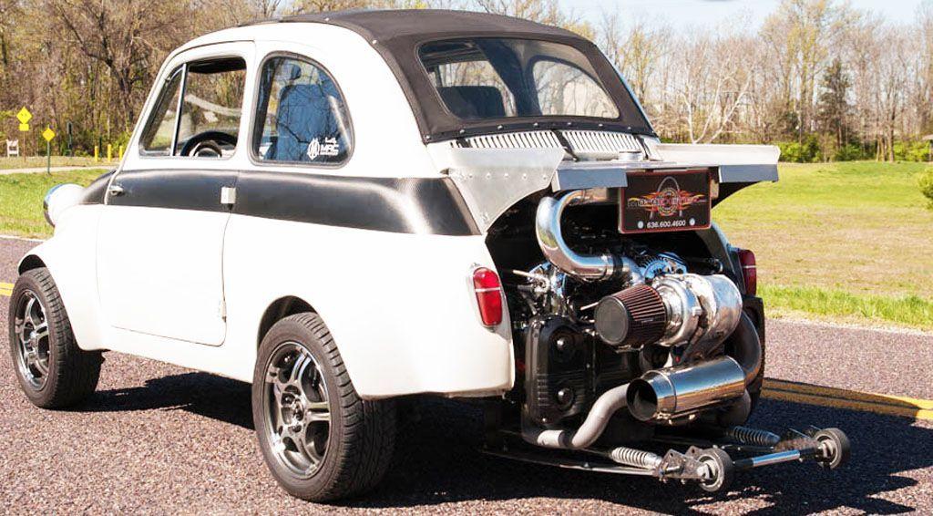 Una Fiat 500 truccata come un dragster