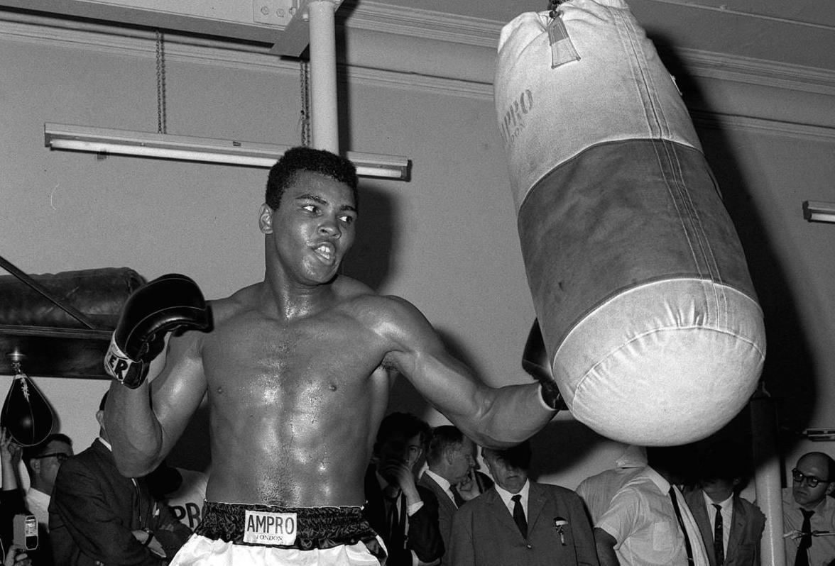 Muhammad Ali è morto: addio al campionissimo della boxe