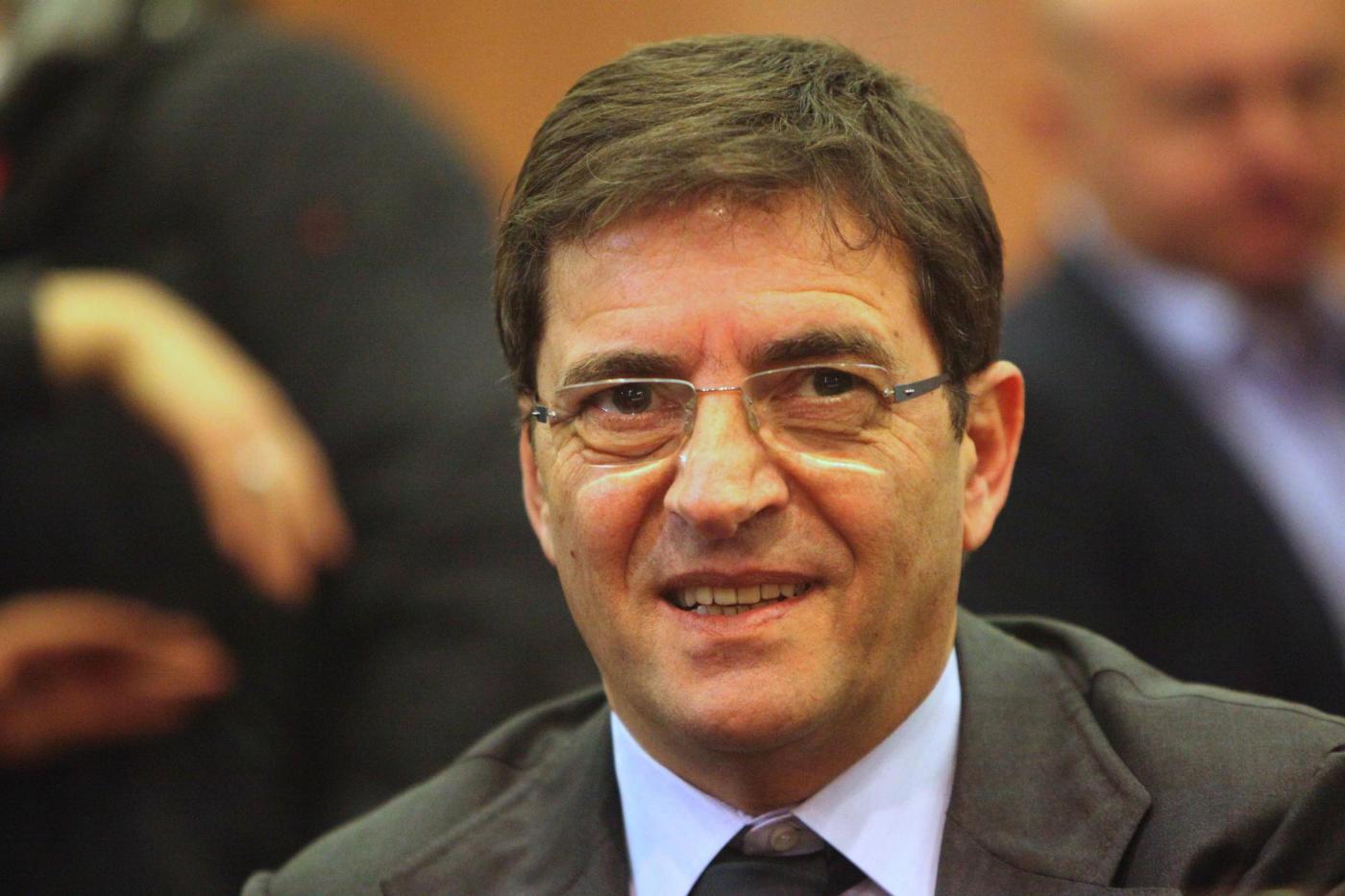 Convention dei cosentiniani al Porto di Napoli, applausi per Nicola Cosentino alla prima uscita pubblica