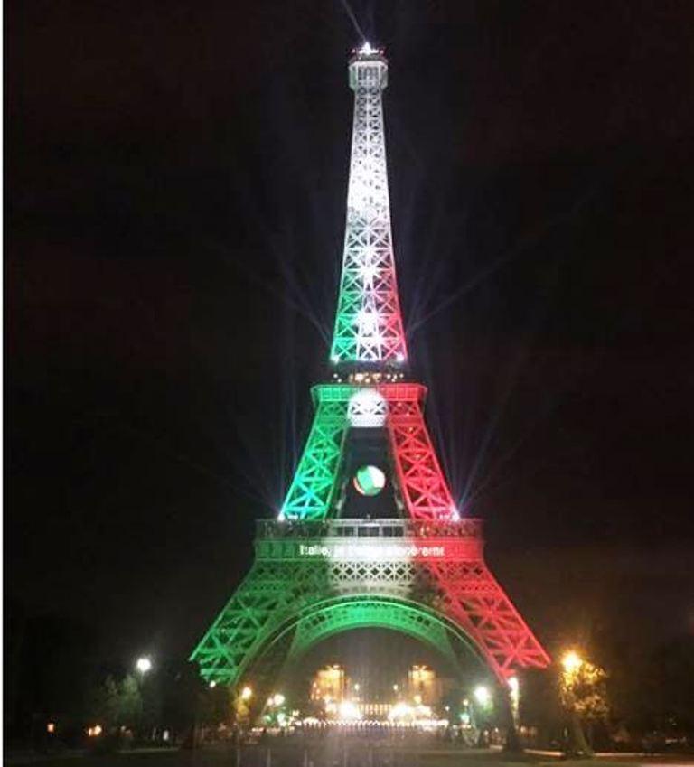 Euro 2016: dopo la vittoria contro la Spagna la Tour Eiffel diventa tricolore