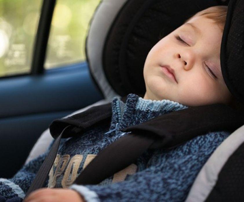 Israele, papà dimentica i due figli in auto sotto il sole: morti per asfissia