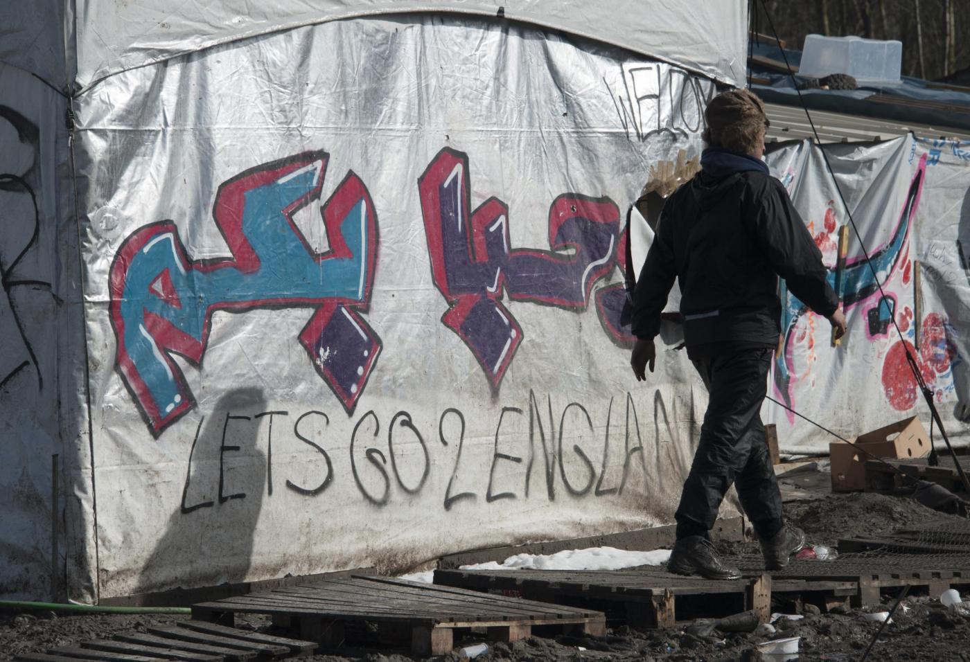 Sorto un nuovo campo profughi alle porte di Dunkerque