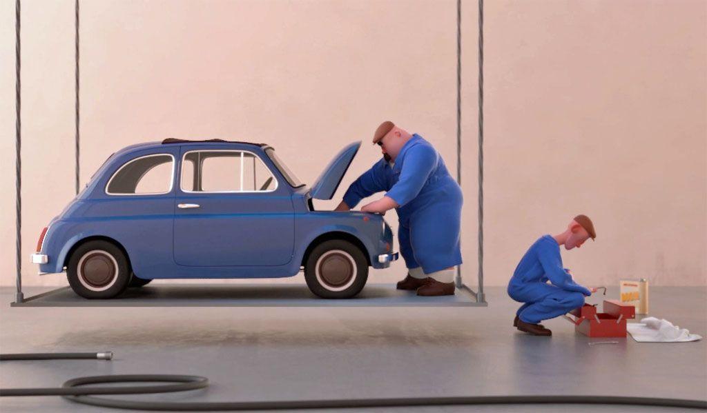 La Fiat 500 diventa trapezista: arte e umorismo in una parodia