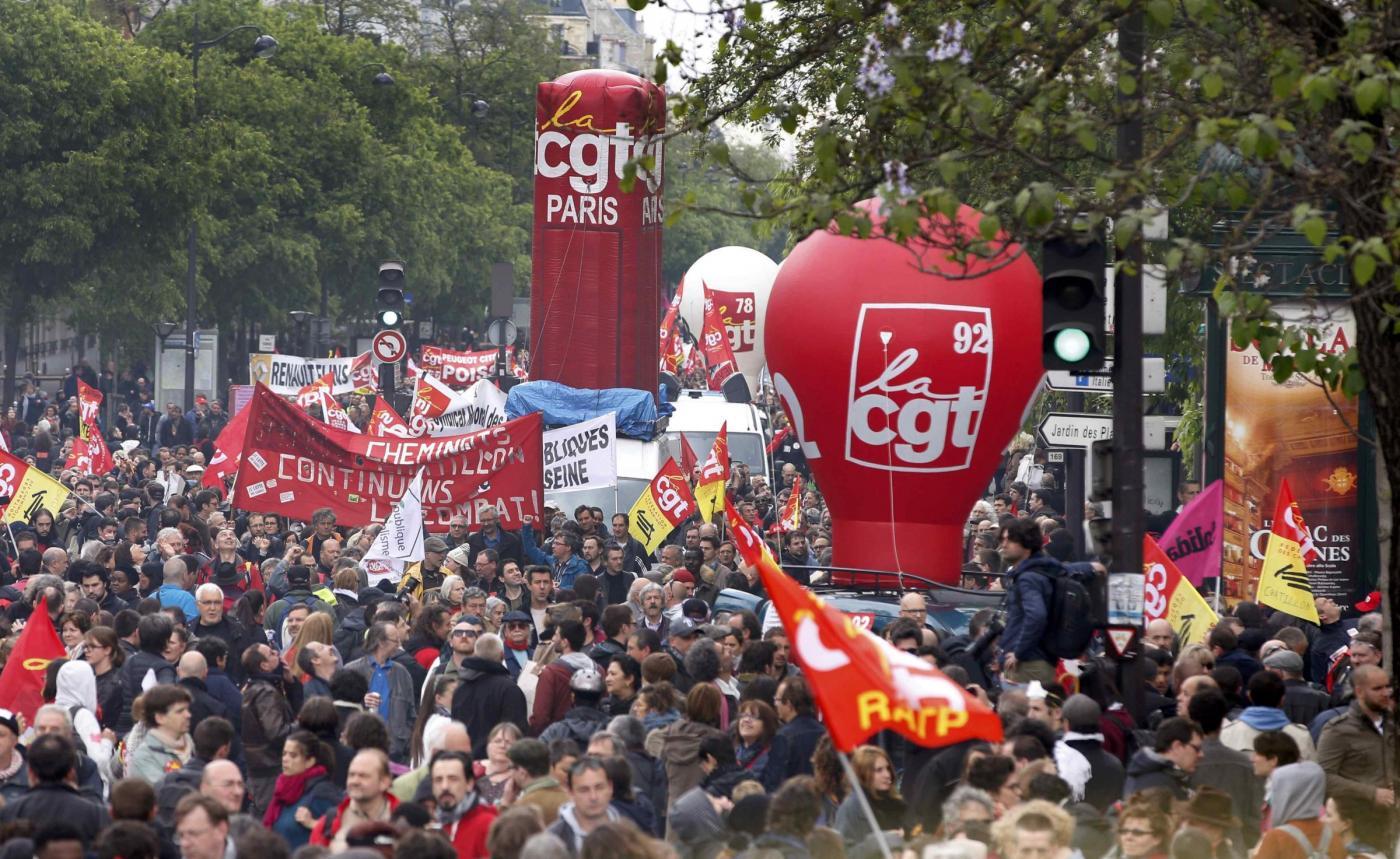 Francia, scioperi per il Jobs Act: Hollande chiede tregua per Euro 2016