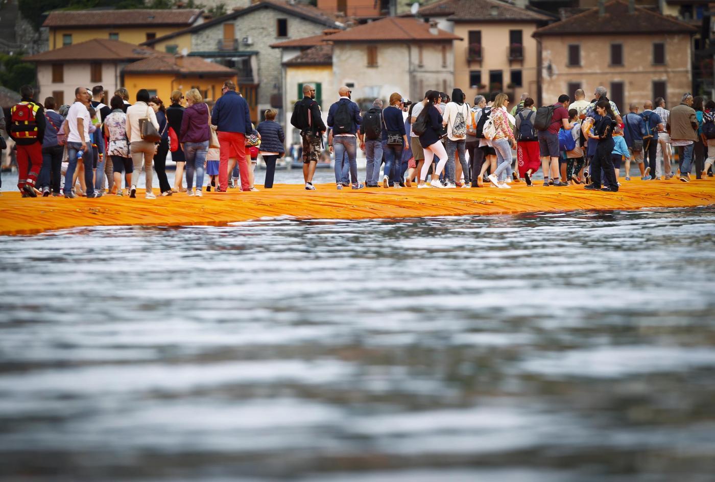 The Floating Piers, l'opera dell'artista Christo aperta al pubblico