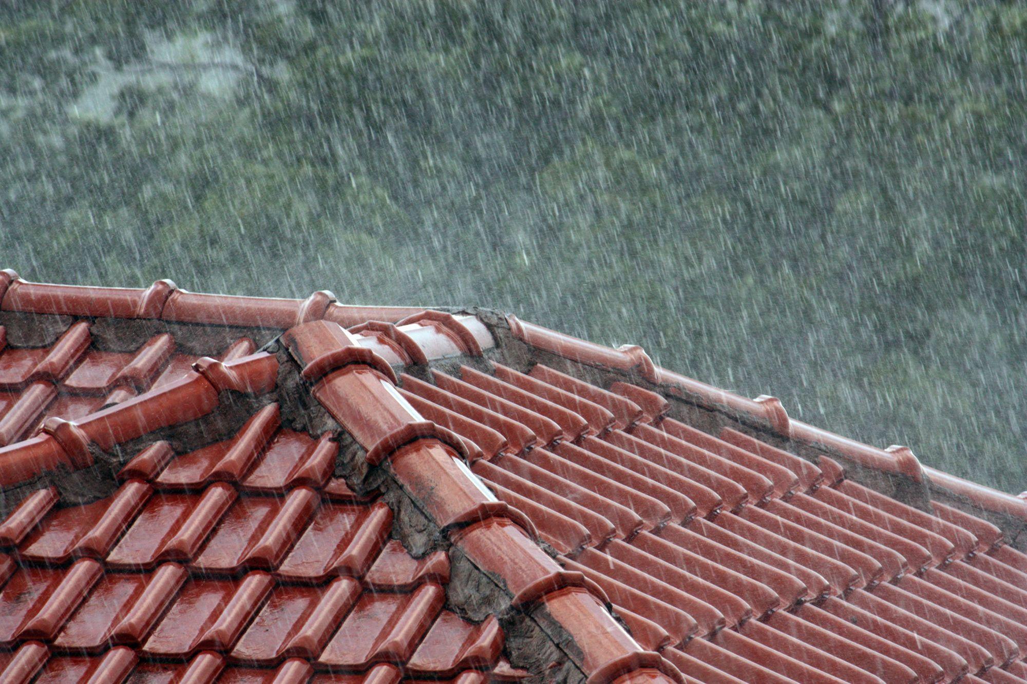 pioggia estiva torrenziale
