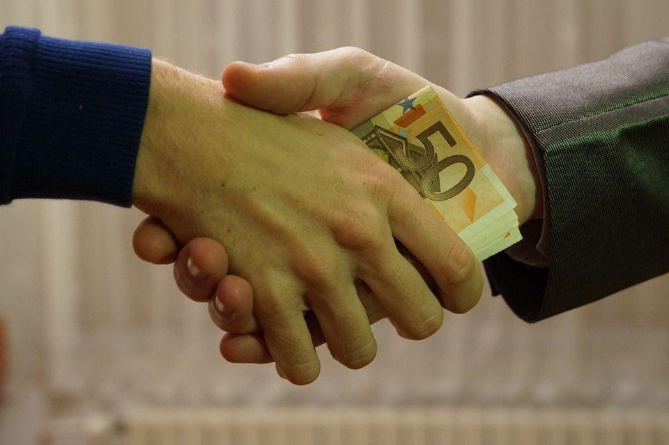 Le cose da sapere su finanziamenti e prestiti