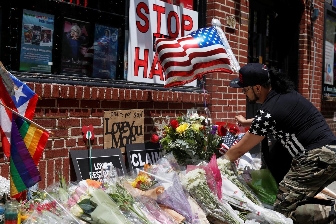 Strage Orlando, da Mosca a New York commemorazioni per le vittime