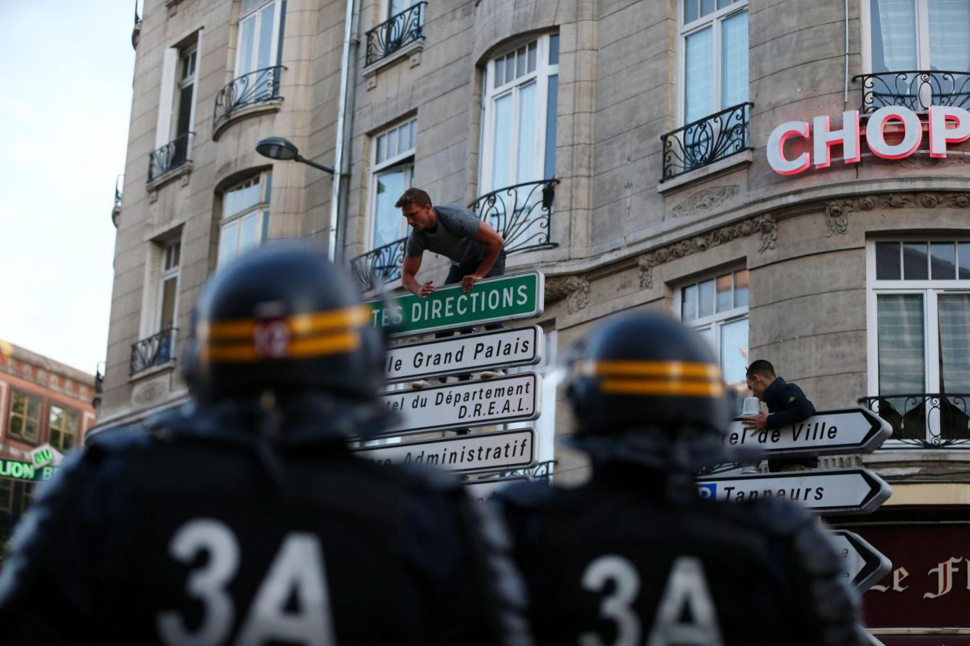 Euro 2016, ancora scontri tra ultrà russi e inglesi: 36 arresti