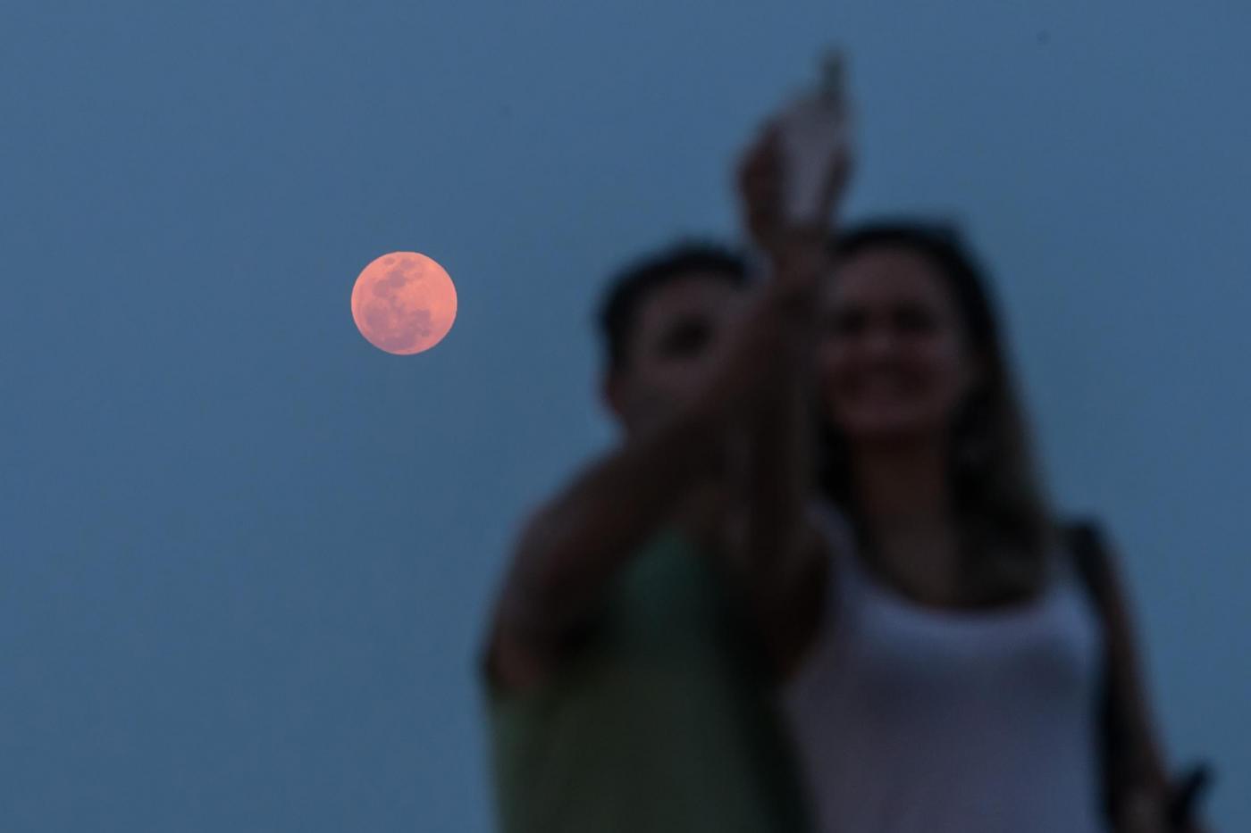 Solstizio d'estate e luna di fragola: la rara coincidenza dopo quasi 50 anni