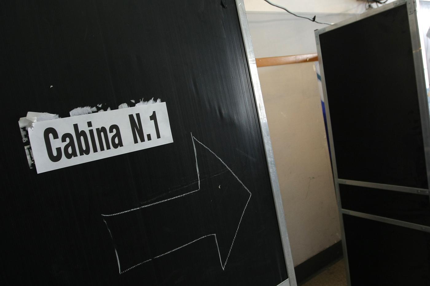 Elezioni Comunali 2016, voto fotografato in Campania: scatta l'indagine