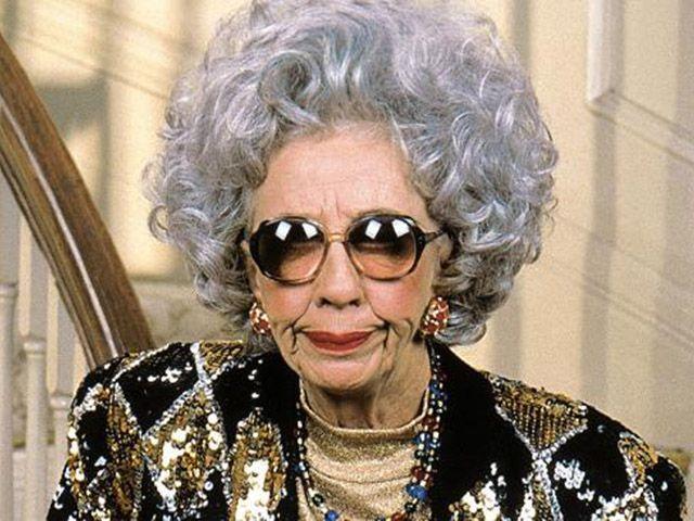 Morta Ann Morgan Guilbert, la zia Yetta della sitcom La Tata